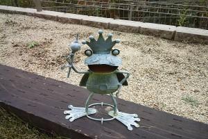 蛙のオブジェ